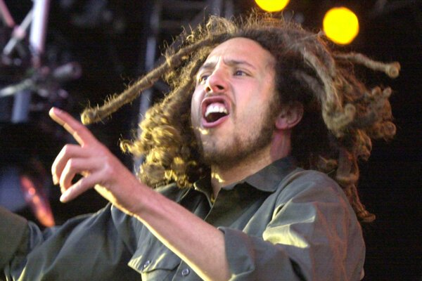 Zack de la Rocha, frontman skupiny Rage against the Machine.