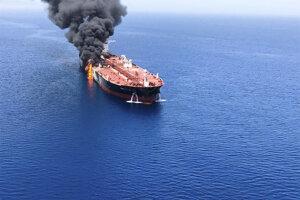 Požiar na ropnom tankeri 13. júna 2019 v Ománskom zálive.