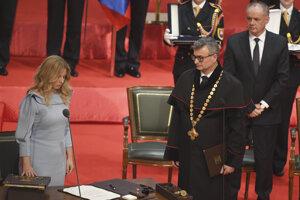 Zuzana Čaputová zložila prezidentský sľub.