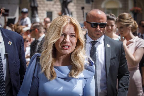 Prezidentka Čaputová v uliciach Bratislavy.