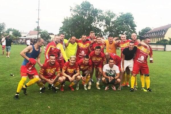 Futbalisti Žihárca vyhrali 7. ligu Šaľa-Galanta.