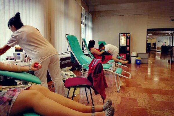 O jubilejné darovanie krvi bol v Poprade veľký záujem.