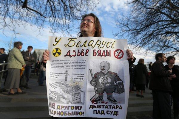 Tridsať rokov po katastrofe v Černobyle protestovali proti výstavbe jadrovej elektrárne aj Bielorusi.