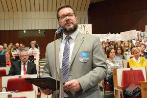 Dlhoročný riaditeľ Polárnej Peter Ivan odchádza zo školy.