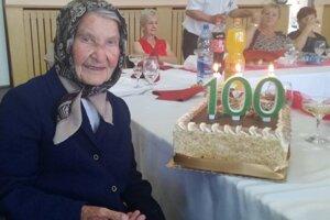 Anna Zozuľáková oslávila sto rokov.