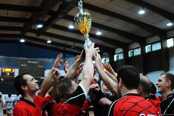 Trofej za víťazstvo na Devils Cupe zásluhou Potheads ostáva na Kysuciach.