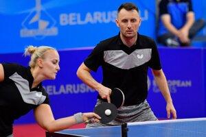 Slovenskí reprezentanti v stolnom tenise Barbora Balážová, Ľubomír Pištej v miešanej štvorhre na II. európskych hrách v Minsku 2019.