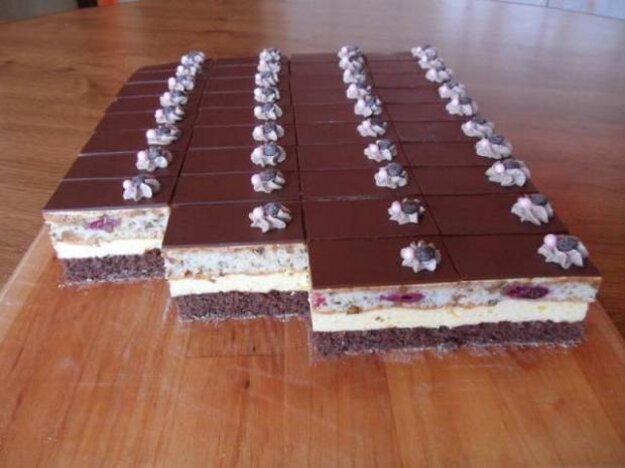 Čokoládovo-višňové rezy