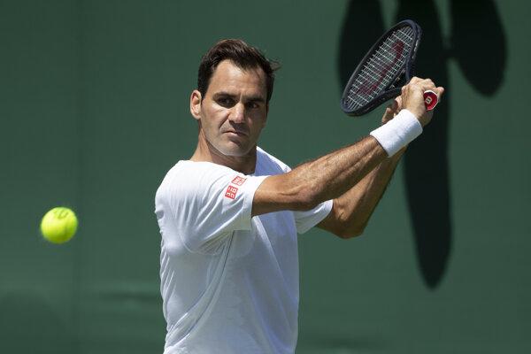 Roger Federer počas tréningu na Wimbledon.