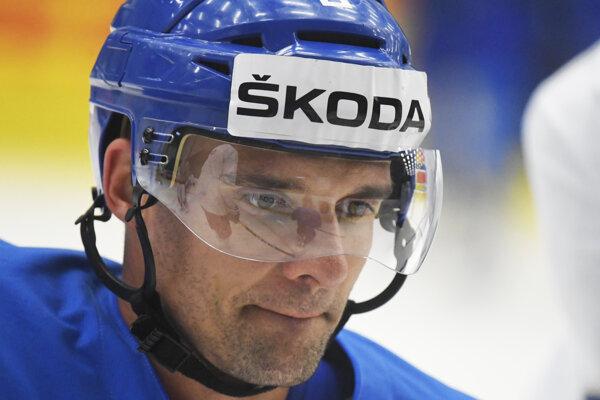 Andrej Sekera počas tréningu slovenskej hokejovej reprezentácie na 83. majstrovstvách sveta v ľadovom hokeji v Košiciach 20. mája 2019.