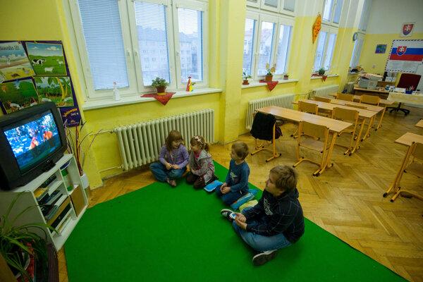 Viacdetným rodinám ponechajú v žilinských školských kluboch zľavy na poplatkoch.