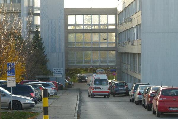 V levickej nemocnici pribudne 160 parkovacích miest.