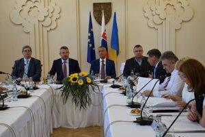 Výjazdové rokovania vlády pokračovali v Michalovciach.