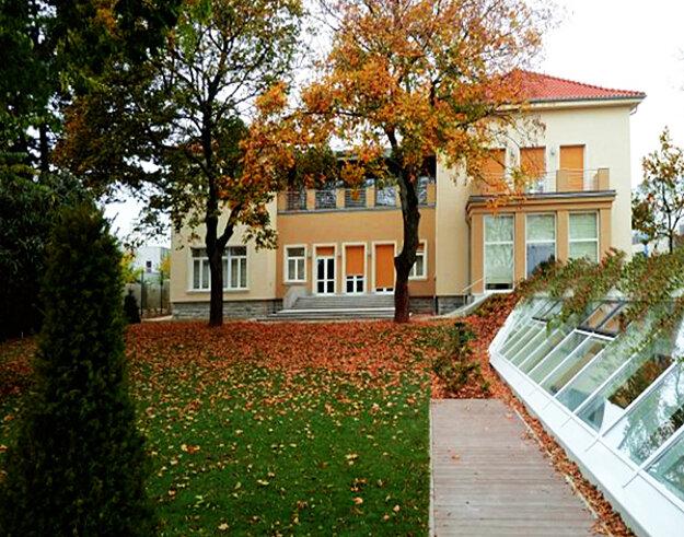 Vila na Mudroňovej 47, kde by mal bývať premiér.