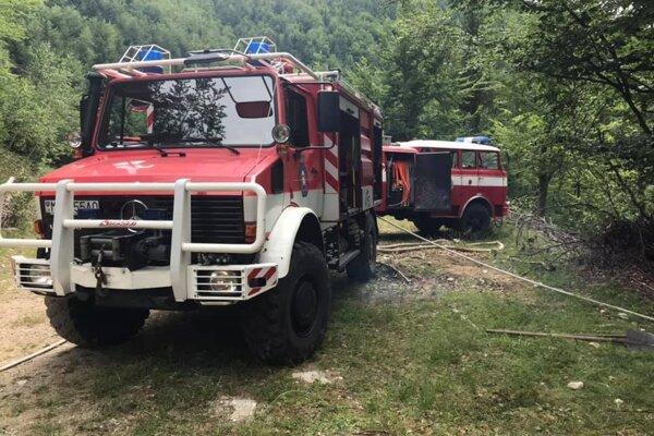 Výjazd k požiaru v lese pod Panošinou.