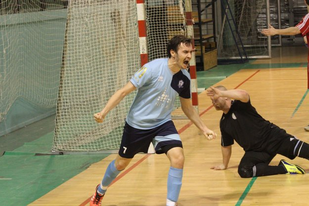 Radosť Martina Dudáša po vyrovnávajúcom góle na 3:3 približne 70 sekúnd pred koncom.
