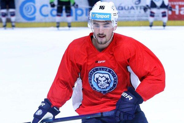 Róbert Lantoši si z viacerých ponúk vybral zmluvu s tímom NHL Bostonom Bruins.