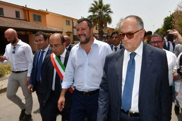 Matteo Salvini zatvoril stredisko pre migrantov na Sicílii.