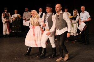 Folkloristi z košického Hornádu počas galakoncertu vo zvolenskom divadle.