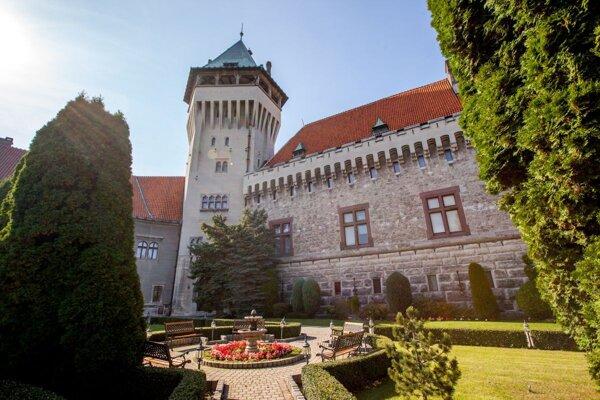 Na smolenickom zámku je dnes pripravený bohatý program.