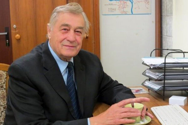 Popredný slovenský vedec a dlhoročný člen Slovenskej akadémie vied (SAV) Anton Janitor.