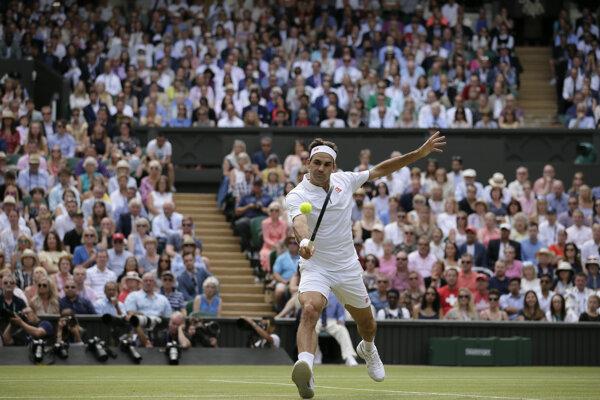 Roger Federer vo finále Wimbledonu 2019.