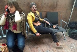 Zranení ľudia po výbuchu na letisku v Bruseli.