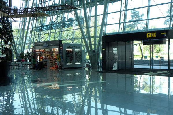 Z bratislavského letiska sa lieta oveľa viac ako pred rokom.