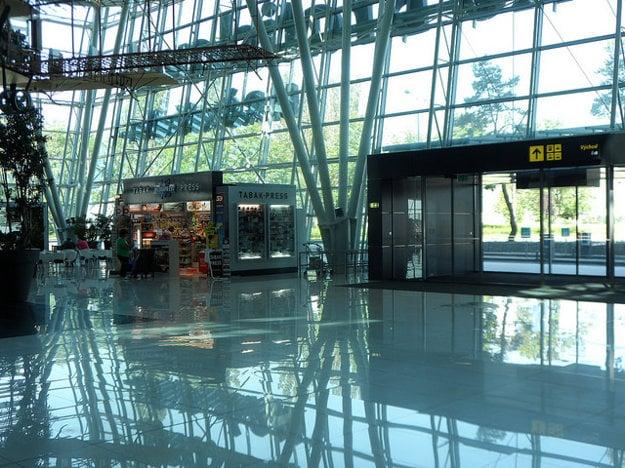 Z bratislavského letiska sa bude lietať oveľa viac ako pred rokom.