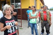 Podľa matky jedného z obvinených Jarmily Rómov krvavý incident mrzí.