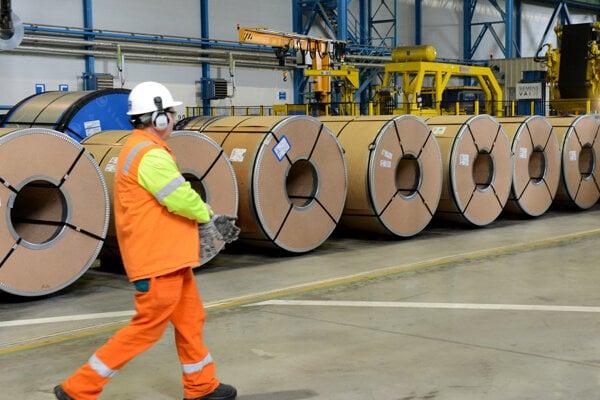 Pozinkovacia linka v košickom U.S. Steel.