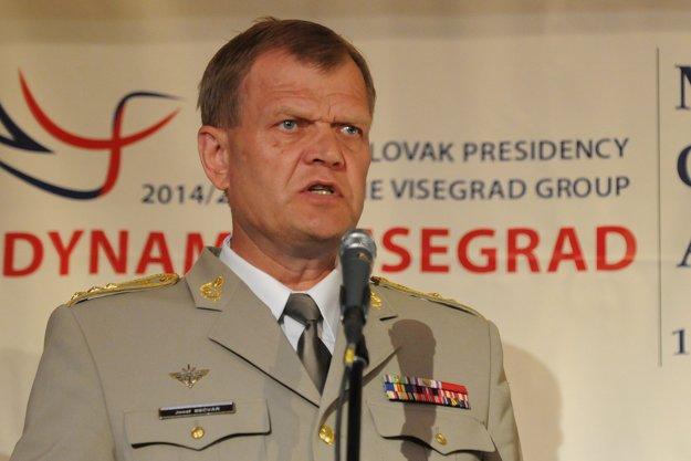 Na snímke náčelník generálneho štábu Armády Českej republiky generálporučík Josef Bečvář.