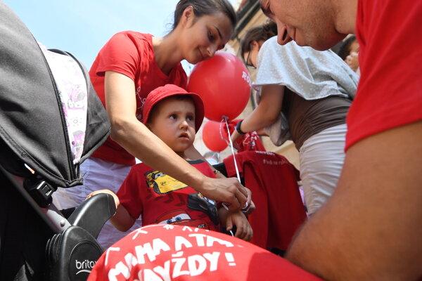 V druhej polovici júla bol v Bratislave podobný pochod ako pripravovaní Za život. Volal sa Hrdí na rodinu.