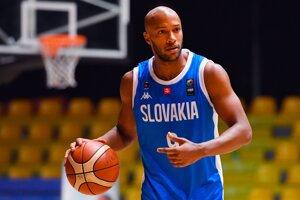 Slovenský basketbalový reprezentant Andre Jones v prípravnom zápase.