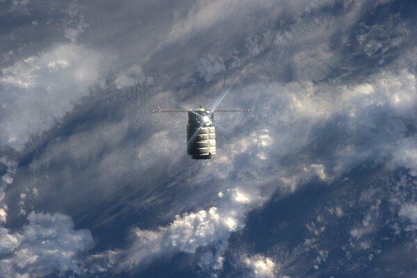 Vesmírna loď Cygnus.