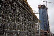 Výstavba Nivy Tower.