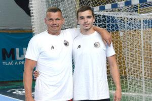 Rado Antl (vľavo) si chce splniť sen a zahrať si so synom.