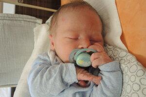 Dávid Šaál (3720 g, 52 cm) sa narodil 18. júla Michaele a Martinovi z Bánoviec.