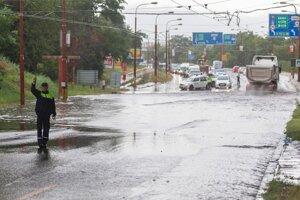 Zaplavená Gagarinova ulica.
