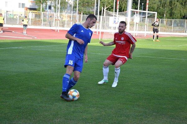 Dubničan Čurik (vľavo) dal v Žiline tri góly za 26 minút.