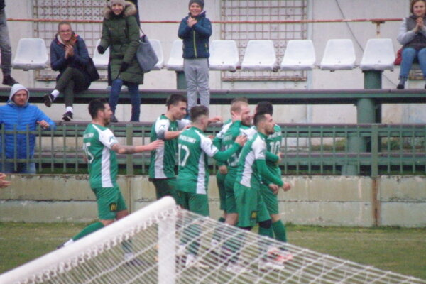 Novozámčania začínajú v sobotu doma proti rezerve FC Nitra.