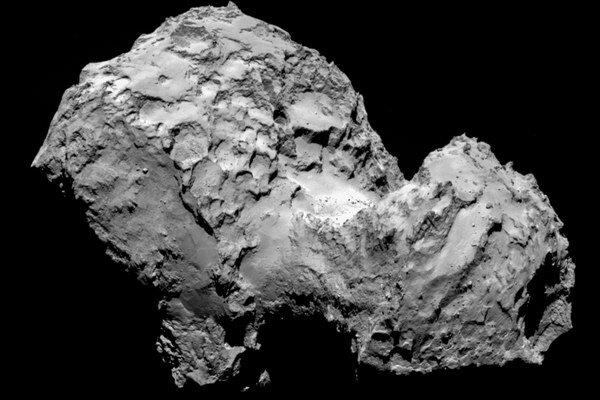 Zábery kométy 67/P Čurjumov-Gerasimenko.