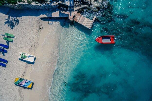 Albánska riviéra má dokonalé pláže