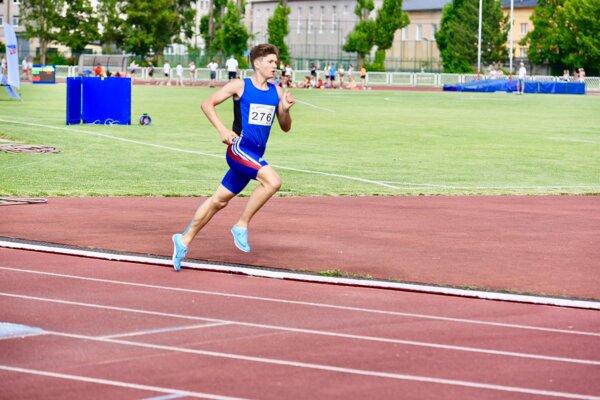 Filip Revaj získal v júli dva slovenské tituly a potom zabehol životný výsledok v Azerbajdžane.