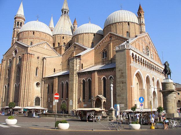 Bazilika st. Antona.