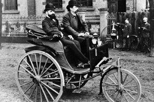Prvé auto poháňané spaľovacím motorom, ktoré skonštruoval Karl Benz