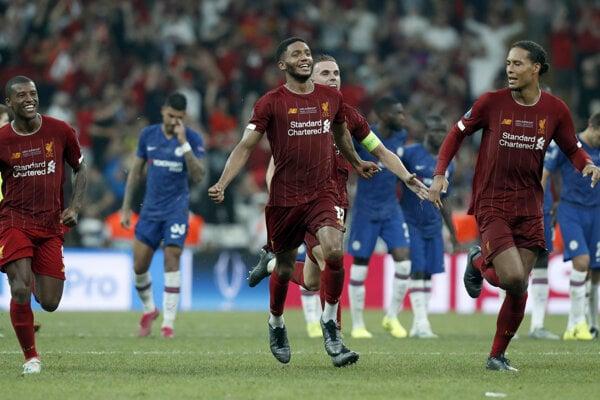 Radosť hráčov FC Liverpool po triumfe v Superpohári UEFA 2019 nad Chelsea Londýn.