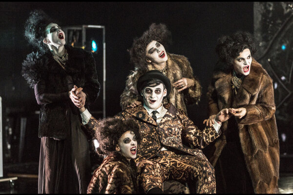 Divadelná Nitra odštartuje inscenáciou Sternenhoch, ovenčenou cenami českej kritiky.