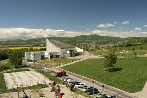 Celoročná štafetová modlitba sa začala v kostole Svätej rodiny v Trenčíne – sídlisko Juh.