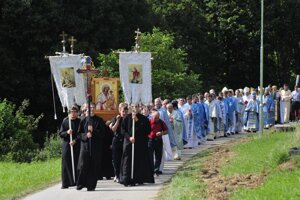 Odpust v Ľutine navštevujú tisíce veriacich.